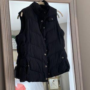 Banana republic black puffer vest